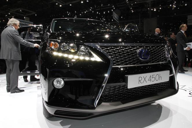 Vidéo en direct de Genève 2012 - RX450h restylé, Lexus et bouche cousue