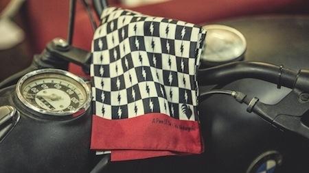 Idée cadeau: Blitz Motorcycles façon 100% soie