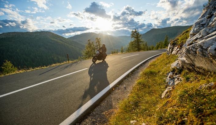 notre top 5 des meilleurs road trips moto en france. Black Bedroom Furniture Sets. Home Design Ideas