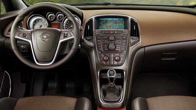 Surprise : le tableau de bord de la future Opel Astra