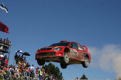 WRC Sardaigne 2eme étape: Loeb use Gronholm