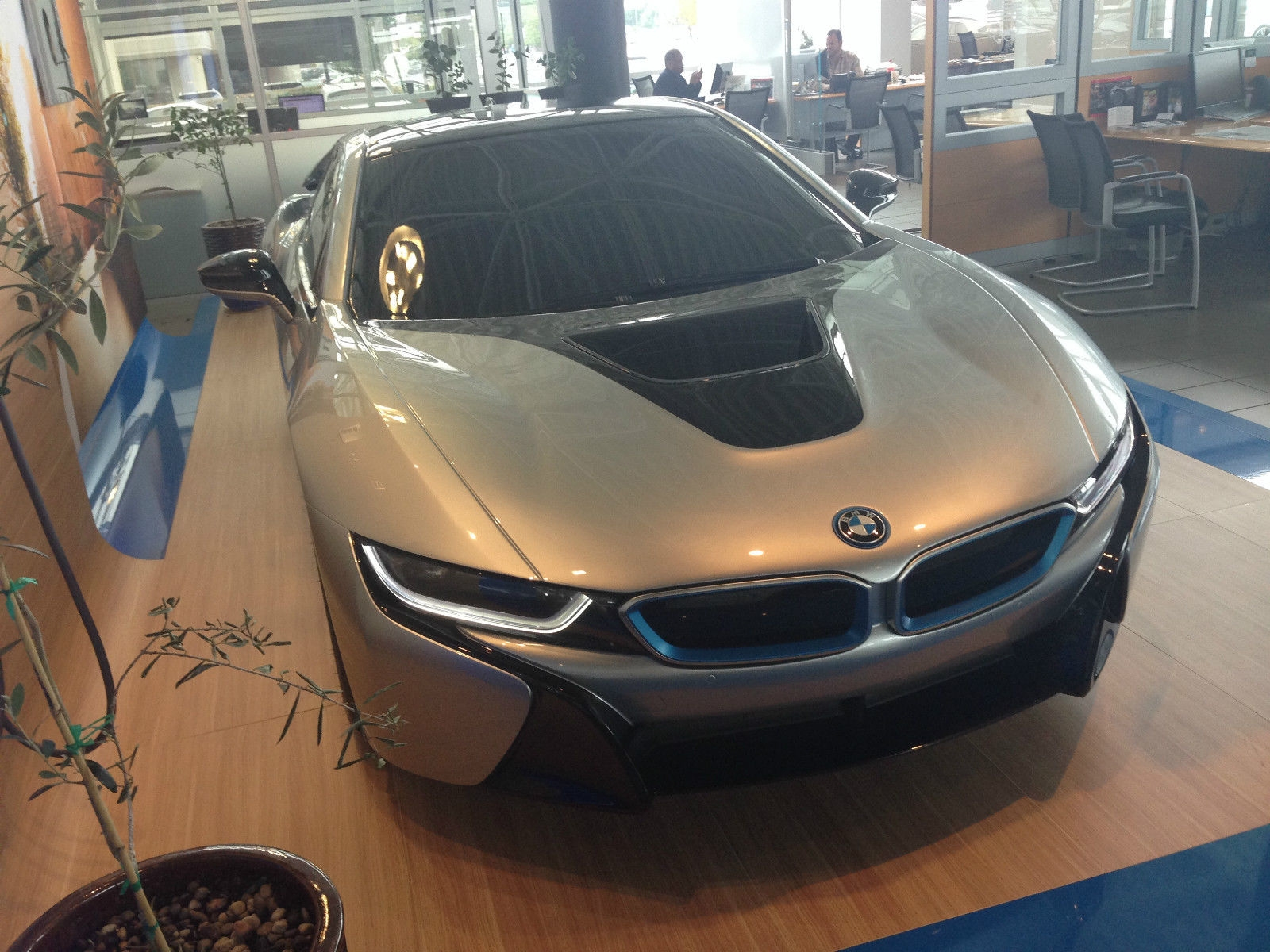 une maquette de bmw i8 l 39 chelle 1 vendre sur ebay. Black Bedroom Furniture Sets. Home Design Ideas
