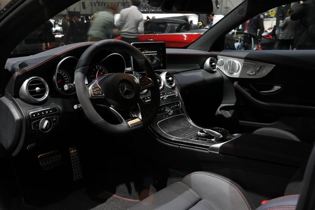 Mercedes-AMG C43 Coupé et Cabriolet : le chaînon manquant - En direct du Salon de Genève 2016