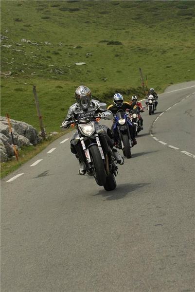 Tous derriere le chevalier 2007 : stage de pilotage dans la région de Pau