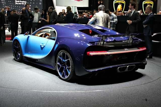 Bugatti Chiron : le patron - Vidéo en direct du Salon de Genève 2016