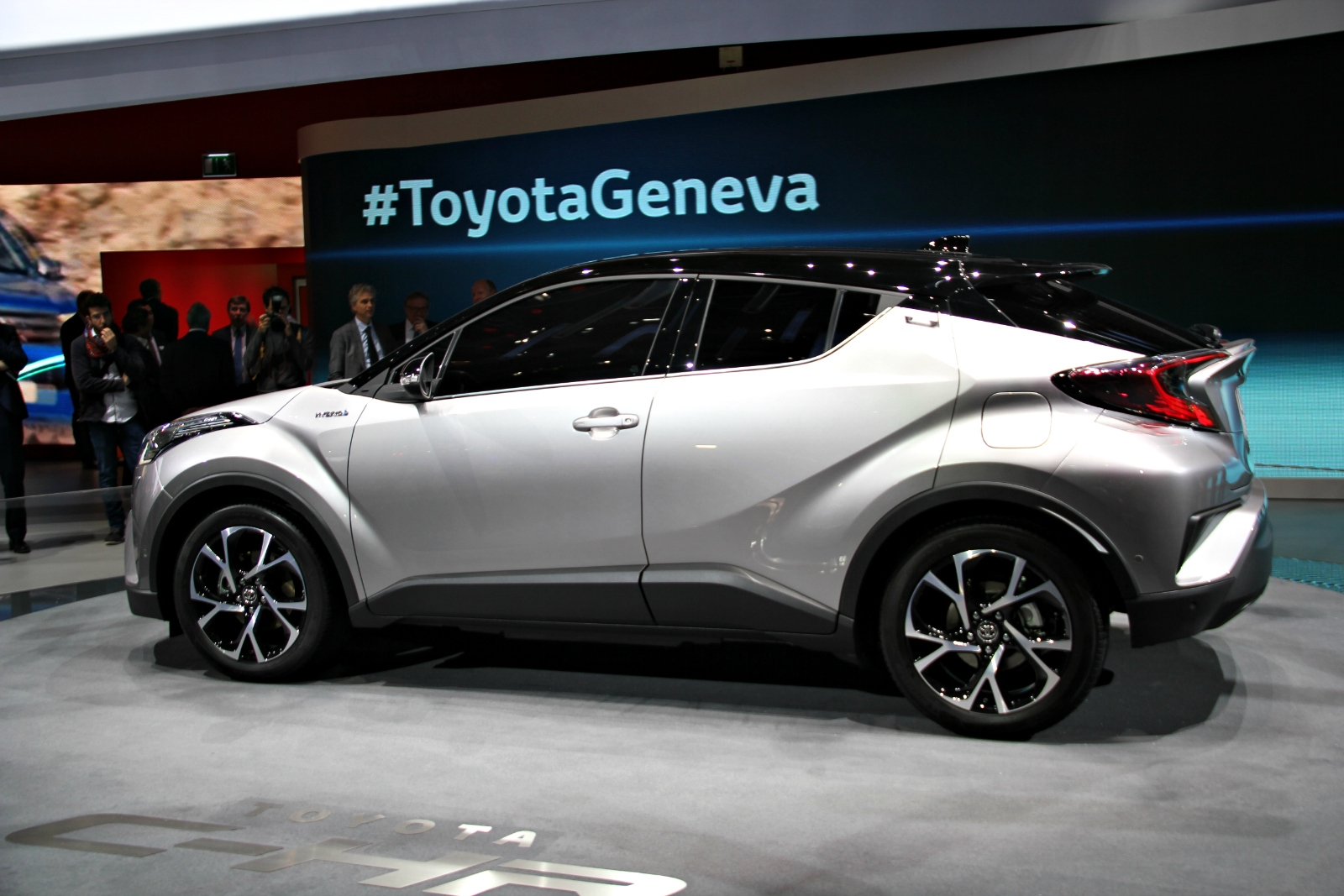 [Image: S0-toyota-c-hr-original-en-direct-du-sal...373169.jpg]