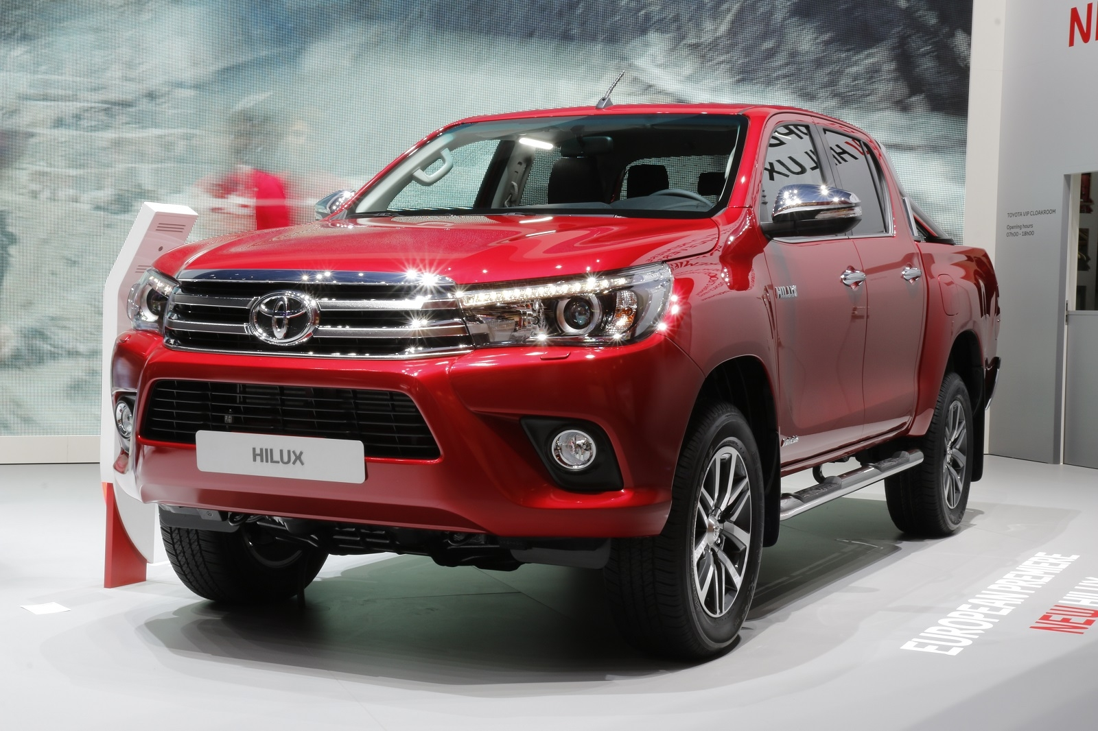 Nouveau Toyota Hilux L Immortel Vid 233 O En Direct Du Salon De Gen 232 Ve 2016