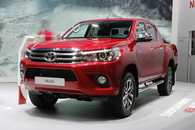 Nouveau Toyota Hilux : l'immortel - Vidéo en direct du Salon de Genève 2016