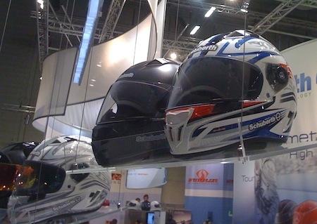 Salon de Cologne 2010: un nouvel intégral racing signé Schuberth, le SR1.