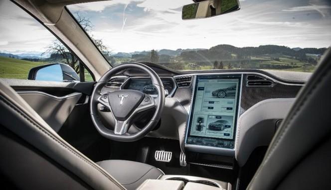 Tesla recrute une équipe de hackers pour renforcer la sécurité de ses autos