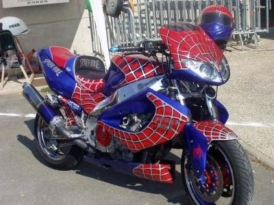 Moto et Super Héros: le tour de Spider Man
