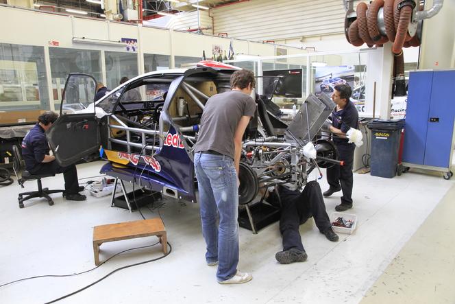 Vidéo - La Peugeot 208 T16 Pikes Peak se met à nu