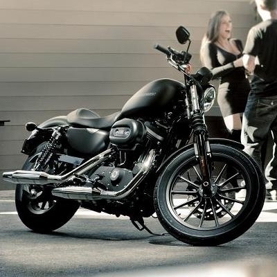 "Harley Davidson 883 Iron: ""Light is right"""