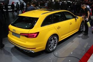 Audi S4 Avant : sobre et sportive - En direct du salon de Genève