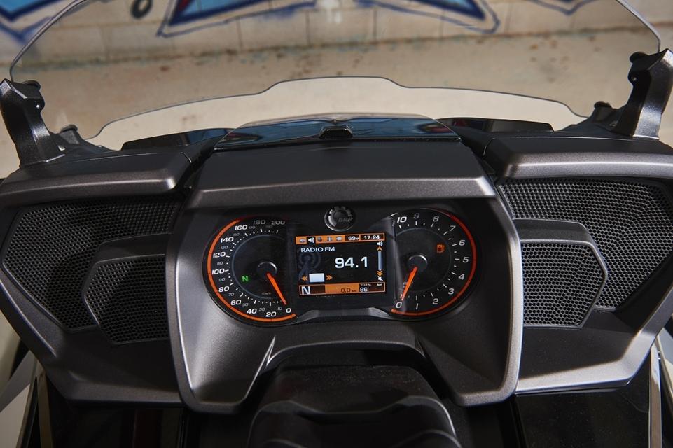Essai Can-Am Spyder F3-T : finition soignée mais aspects pratiques limités