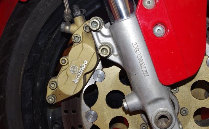 Beringer étriers Aerotec axial 6 pistons: l'essai