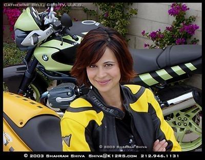 Catherine Bell : J.A.G. de profession, Moto par passion