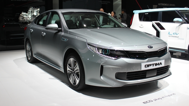 Kia Optima hybride : rechargeable - En direct du salon de Genève
