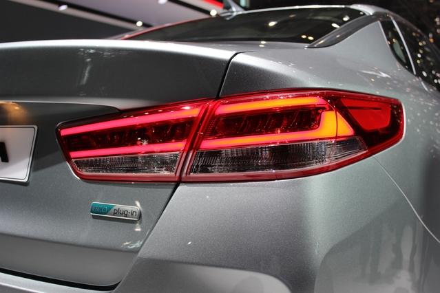 Kia Optima hybride : rechargeable - En direct du salon de Genève