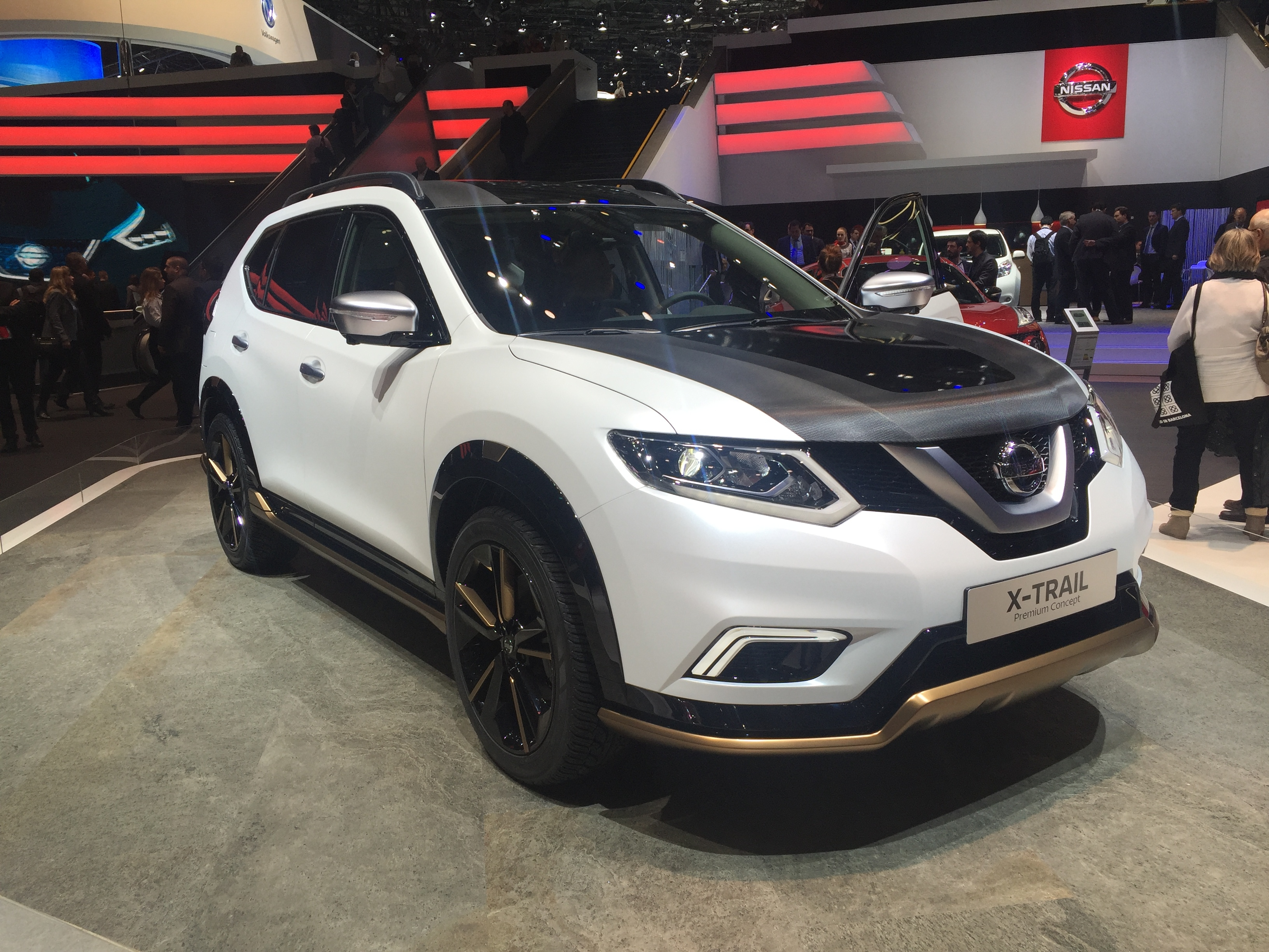 nissan x trail premium concept embourgeois en direct du salon de gen ve 2016. Black Bedroom Furniture Sets. Home Design Ideas