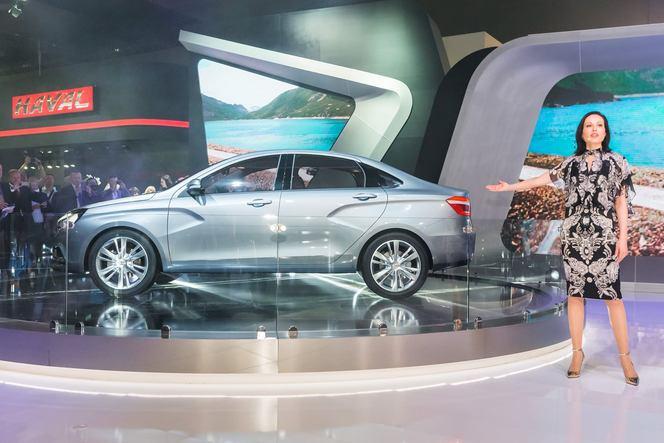 Salon de Moscou 2014 - Lada change tout avec ses concepts Vesta et Xray!
