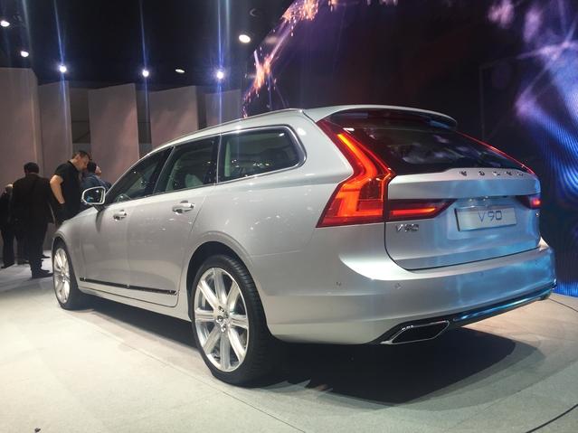 Volvo V90: reine de Suède - Vidéo en direct du salon de Genève 2016
