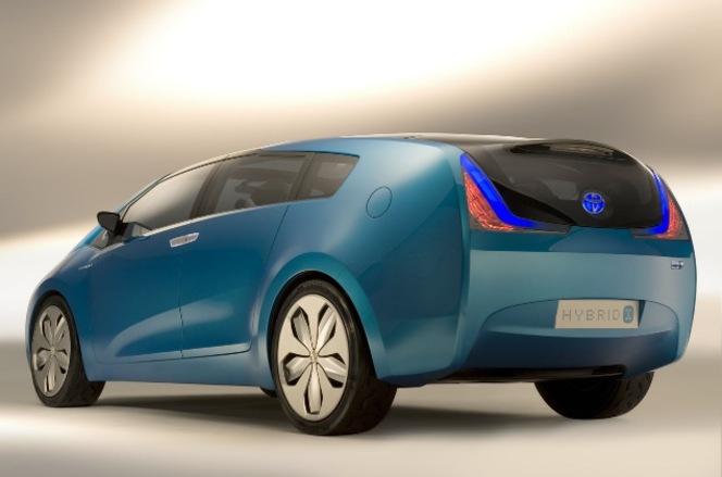 Alpha, la future Prius monospace attendue en mars 2011 :