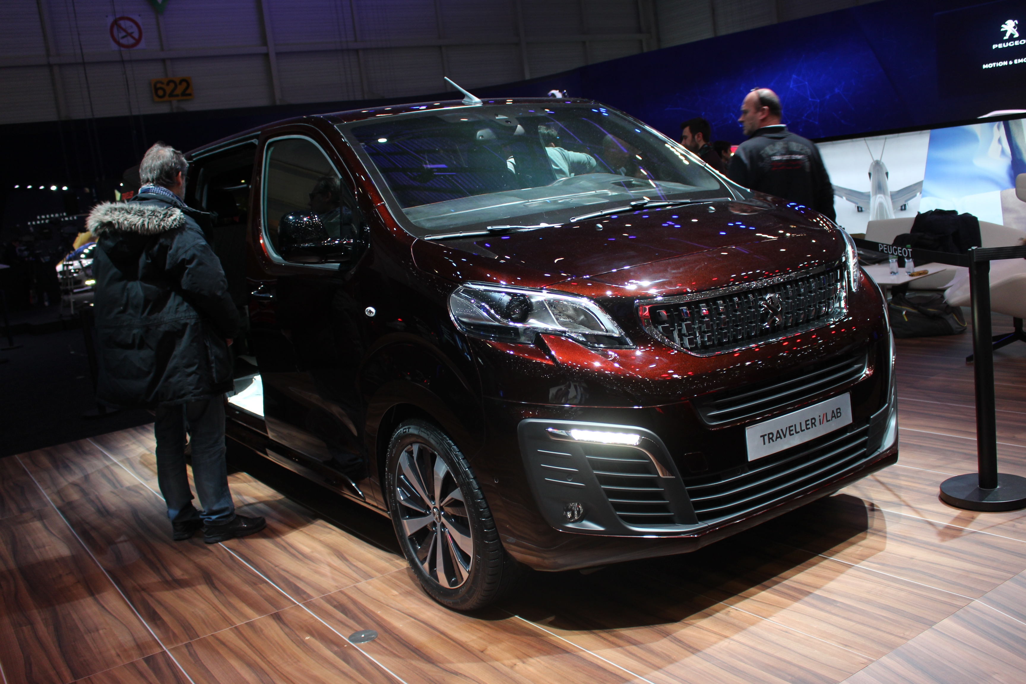 Peugeot traveller i lab concept salon roulant en direct du salon de gen ve - Concept salon de the ...