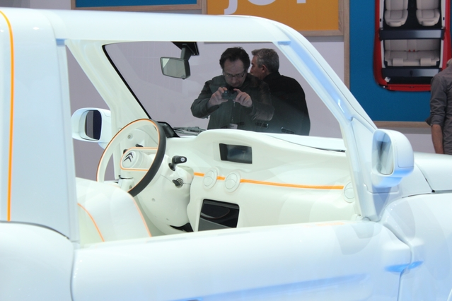 Citroën e-Mehari styled by Courrèges : stylisme - En direct du salon de Genève 2106
