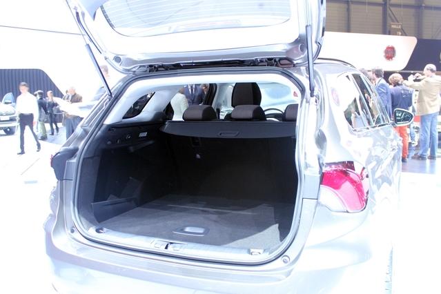 Fiat Tipo break : petite déménageuse - Vidéo en direct du salon de Genève 2016