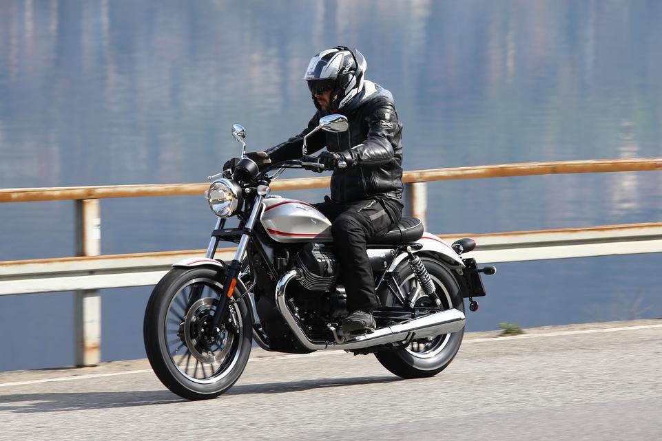 Essai Moto Guzzi V9 Roamer : belle et fonctionnelle