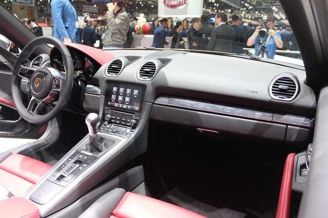 Porsche 718 Boxster : roturier ? - Vidéo en direct du salon de Genève 2016