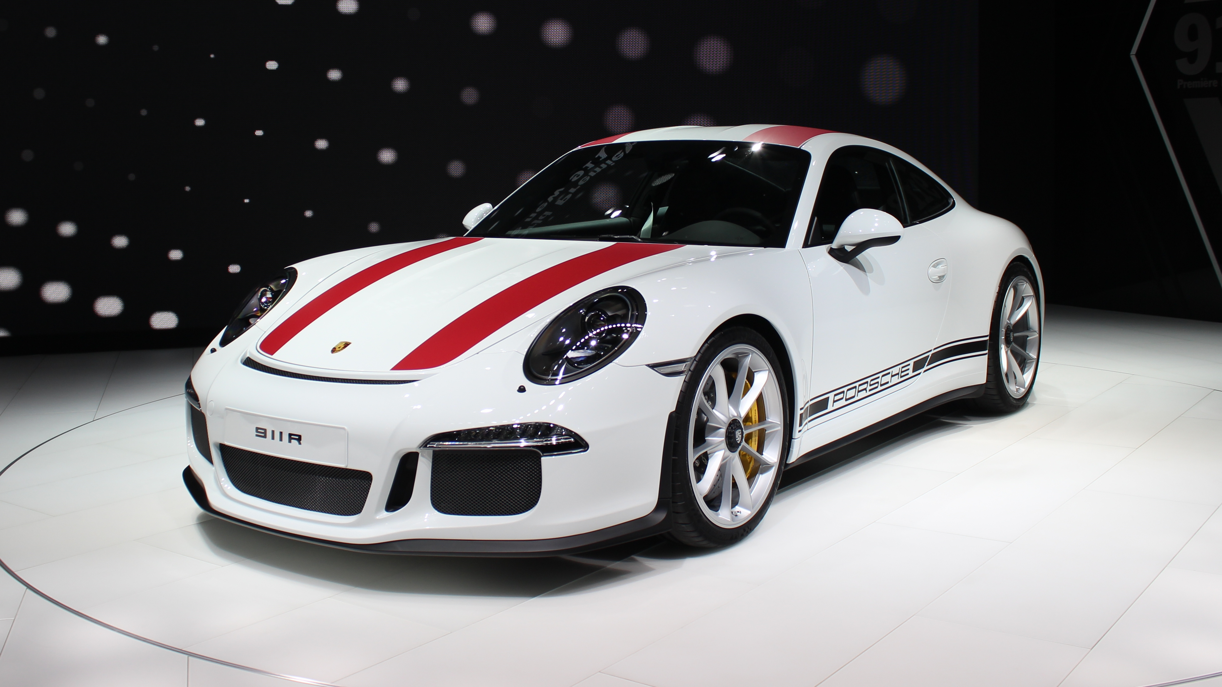 porsche 911 r radicale en direct du salon de gen ve. Black Bedroom Furniture Sets. Home Design Ideas