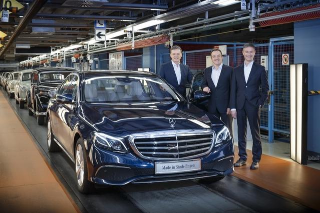 La première Mercedes Classe E sort des chaînes