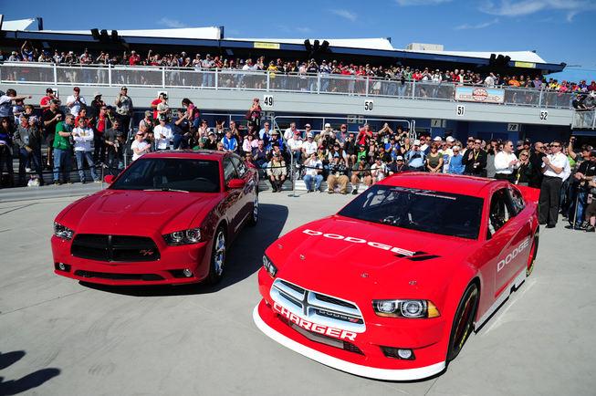 Dodge présente la Charger de 2013 pour le Nascar