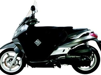 Tablier Tucano Urbano pour le scooter Sym Citycom.