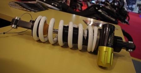 En direct du salon de la moto 2011: arrivée des suspensions chez Touratech