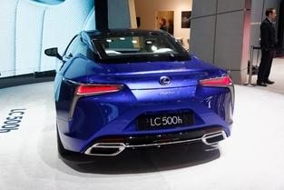 Lexus LC500h : l'hybride dynamique - Vidéo en direct du salon de Genève