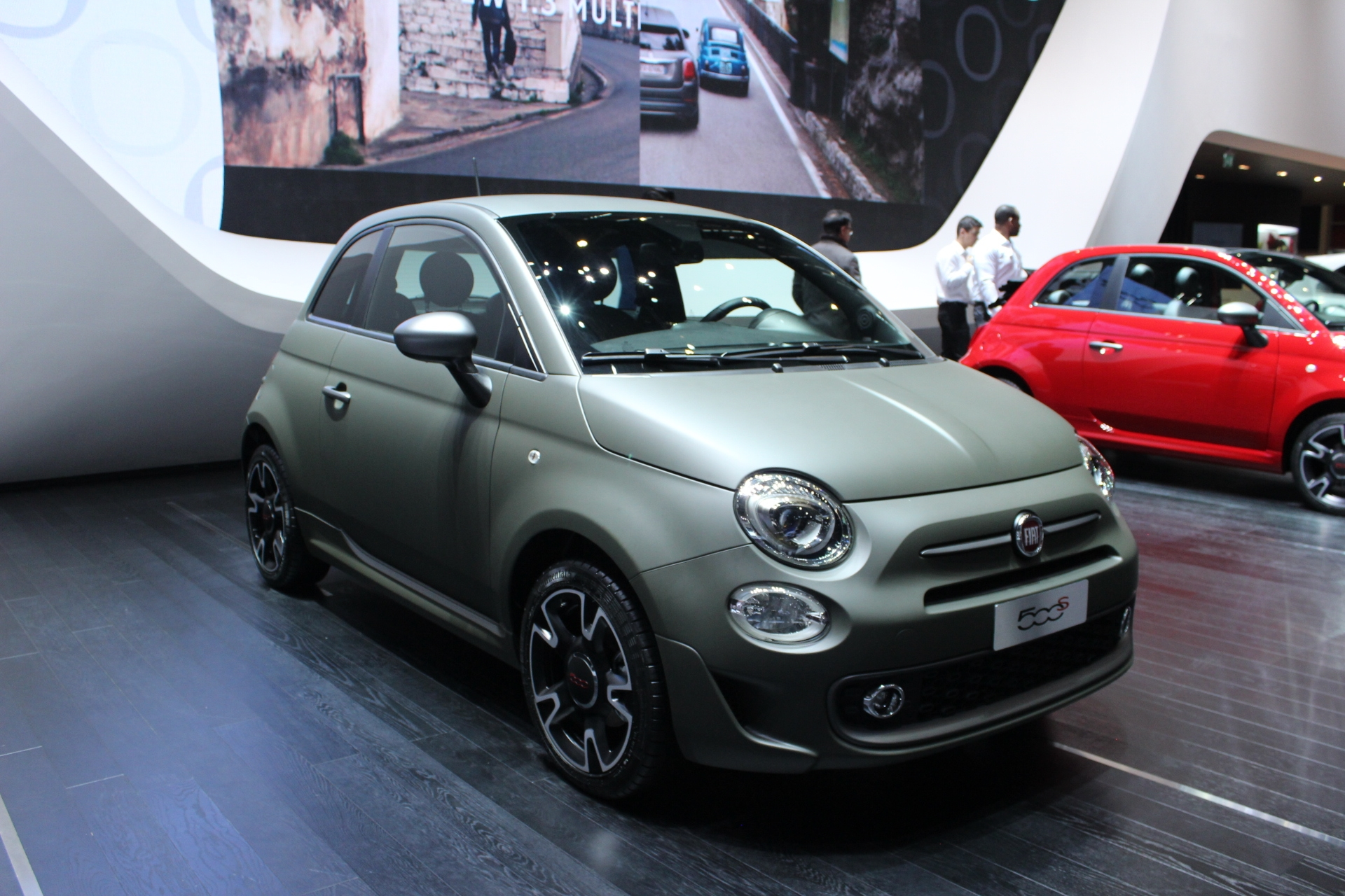 fiat 500 s demie sportive en direct du salon de gen ve. Black Bedroom Furniture Sets. Home Design Ideas