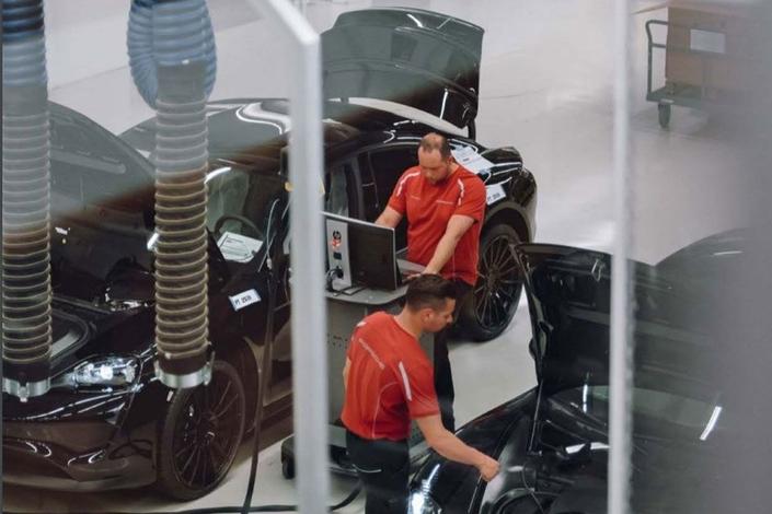 Porsche donne un avant-goût de la Mission E