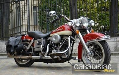 Artcurial au salon Rétromobile 2013: les motos proposées à la vente.