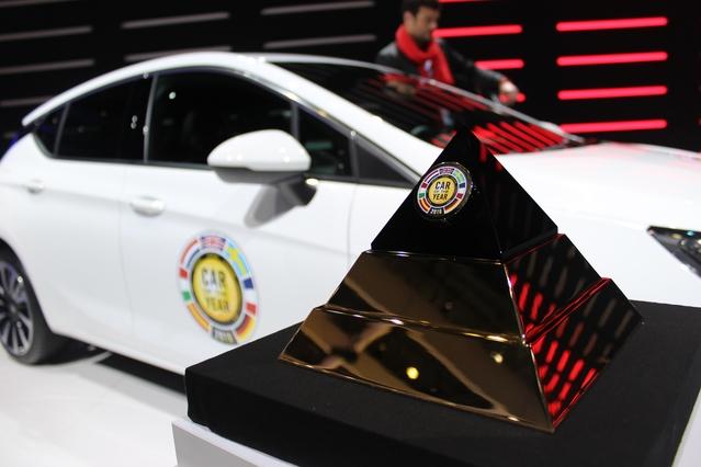 Opel Astra : retour sur son élection de voiture de l'année 2016 - En direct du salon de Genève (vidéo)