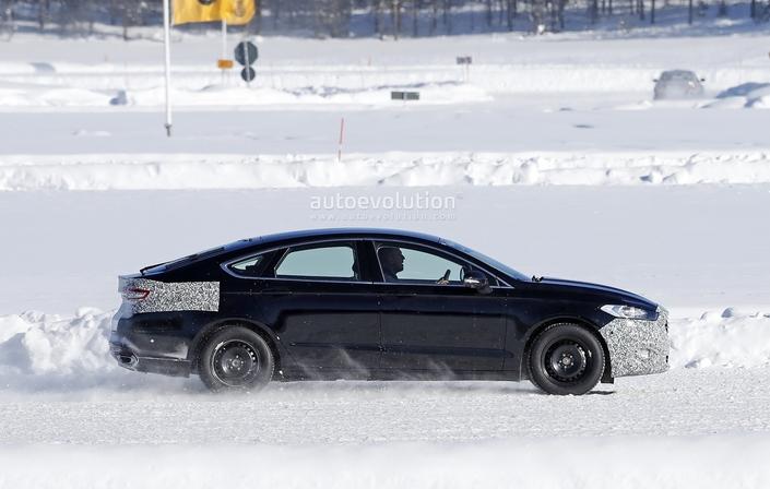La Ford Mondeo restylée en classe de neige