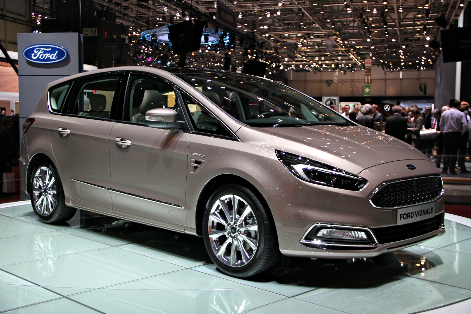 ford s max edge mondeo 5 portes et kuga concept vignale du luxe tous les tages en. Black Bedroom Furniture Sets. Home Design Ideas