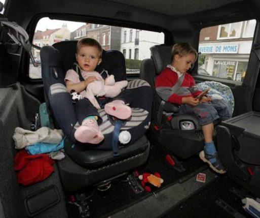 Départ en vacances - La bonne stratégie pour distraire vos enfants en voiture