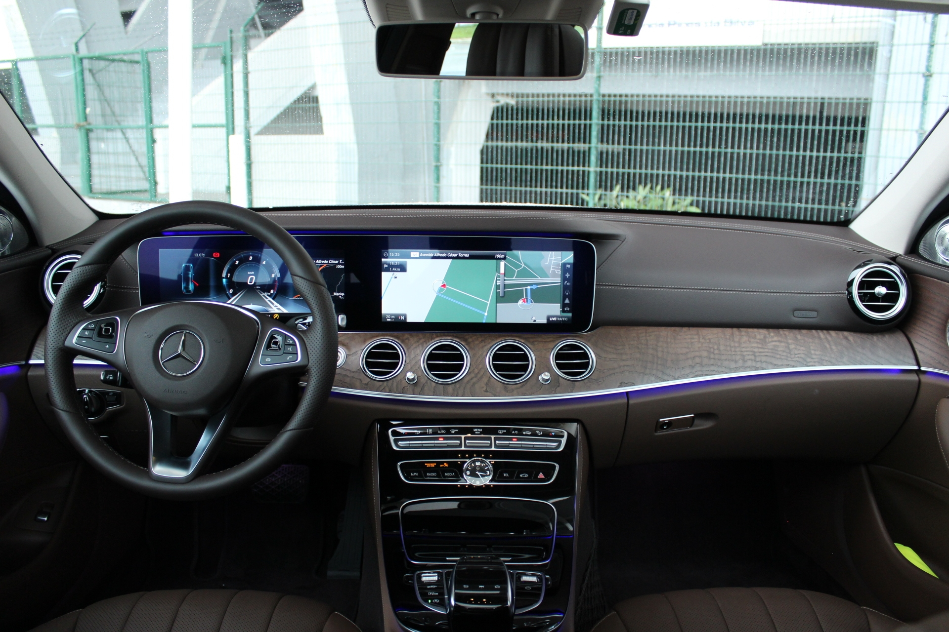 Essai vid o mercedes classe e techno parade for Mercedes classe m interieur