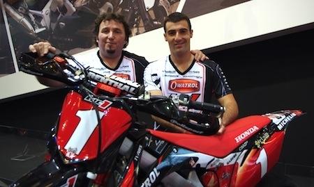 """En direct du salon de la moto 2011, rencontre avec le Team Luc1: """"nous sommes avant tout une famille..."""""""