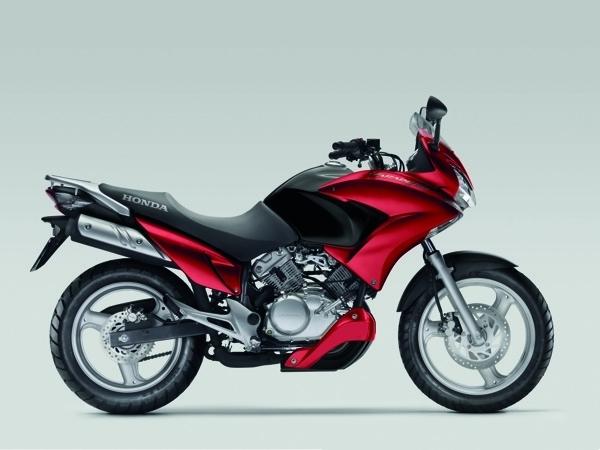 Nouveau coloris pour la Honda Varadero 125 cm3