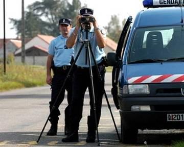 Départ en vacances - Avertisseurs de radars : que dit la loi ?