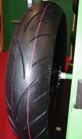 En direct du salon de la moto 2011: Sava, gommards pour petites cylindrées